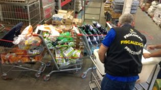 Procon apreende 180 produtos vencidos no Supermercado DB, em Manaus