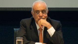 Dias Toffoli suspende ação contra ex-ministro dos Transportes