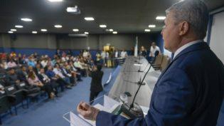 Prefeitura de Manaus começa a pagar nesta sexta primeira parcela do 13º
