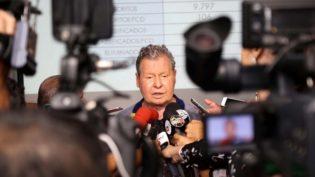 'Se manquem', diz prefeito Arthur Neto a rodoviários que pararam ônibus