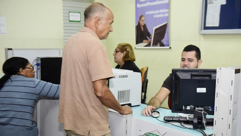 Ao sair de consulta médica, paciente já pode marcar exame por sistema online nas unidades de saúde (Foto: Valdo Leão/Secom)