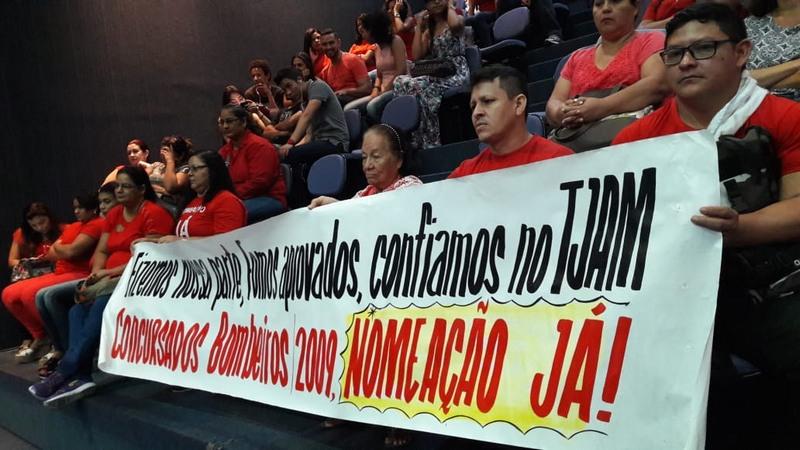 Grupo de concursados para o Corpo de Bombeiros pediu apoio dos deputados estaduais (Foto: ATUAL)