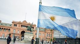 Câmara dos Deputados da Argentina aprovou projeto que permite aborto. (Foto: Divulgação)