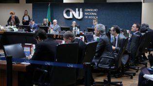 CNJ recebe oito ações contra Rogério Favreto e duas contra Sérgio Moro