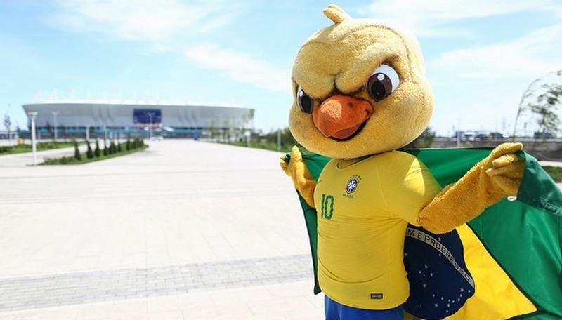 Canarinho Pistola e o sucesso do personagem do Brasil na Copa (Foto: Lucas Figueiredo/CBF)