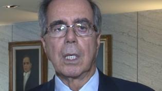 Risco político preocupa investidores, diz ex-presidente do Banco Central