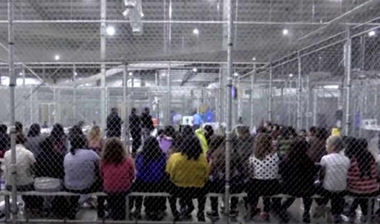 Família é separada, e os filhos vão para abrigos ou centros para menores 'desacompanhados' (Foto: YouTube/Reprodução)