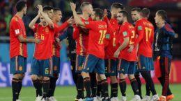Espanhóis festejaram classificação após empate em 2 a 2 com o Marrocos (Foto: Fifa/Divulgação)