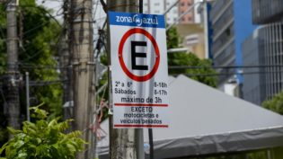 Estacionamento na Zona Azul passa a ser cobrado neste sábado em Manaus