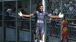 Goleiro Jonathan defendeu três pênaltis e ajudou Manaus FC a obter vaga (Foto: Antonio Assis/FAF)