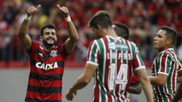 Henrique Dourado comemora gol sobre seu ex-clube, o Fluminense, na vitória do Flamengo (Foto: Staff Imagens/Flamengo)