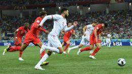 Tunísia afastava o perigo a cada tentativa inglesa, sem maiores dificuldades até sofrer o segundo gol (Foto: Fifa/Divulgação)