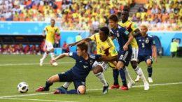 Seleção colombiana teve dificuldade de tirar a bola da equipe japonesa e chegar no ataque (Foto: Fifa/Divulgação)