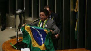 Preso na Papuda, João Rodrigues reassume mandato na Câmara
