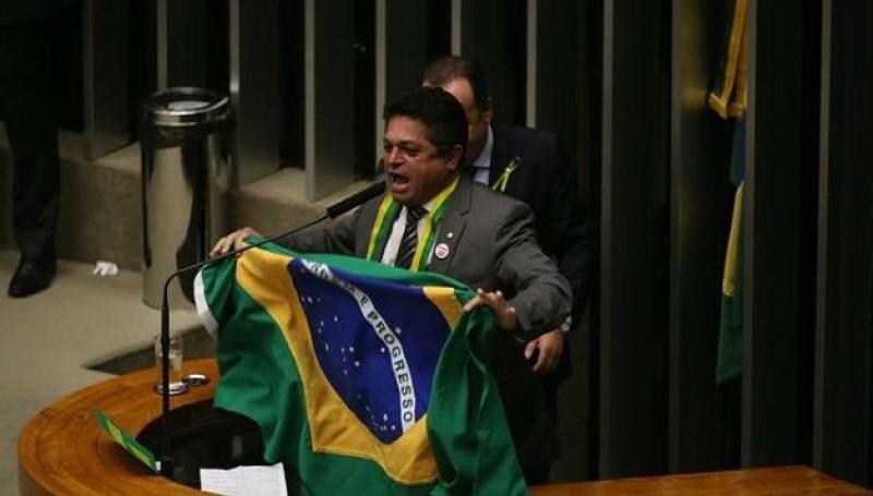 Mesmo preso, sem comparecer à Câmara, João Rodrigues continuou a receber salário e os demais benefícios (Foto: Agência Brasil)
