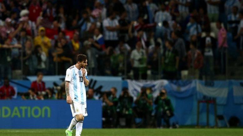 Lionel Messi saiu cabisbaixo de campo após Argentina sofrer goleada da Croácia (Foto: Fifa/Divulgação)