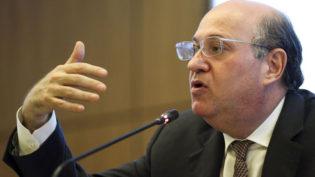Reformas têm de continuar para inflação permanecer baixa, diz Goldfajn