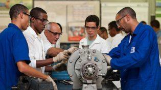 Marinha lança concurso com salário inicial de R$ 4,4 mil para área técnica