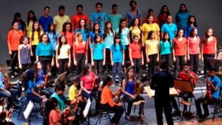 Teatro da Instalação recebe concerto 'O amor popular brasileiro – O amor na MPB'