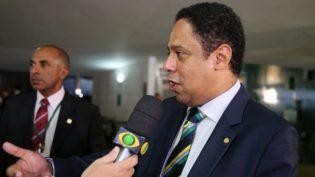 PCdoB pode desistir de Manuela D'Ávila por apoio a Ciro Gomes