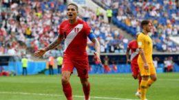 Guerrero marcou na vitória do Peru por 2 a 0 sobre a Austrália na despedida da Copa (Foto: Fifa/Divulgação)