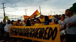 Multidão vai às ruas de Presidente Figueiredo protestar contra prefeito