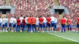 Seleção da Rússia treina no Estádio Luzhniki para a estreia na opa do Mundo (Foto: RFS/RU/Divulgação)