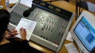 Rádios comunitárias e a pressão das empresas de comunicação