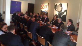 Bancada federal se mobiliza contra decreto de Temer, mas falta força política