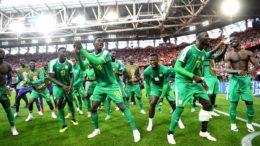 Senegaleses festejaram vitória sobre a Polônia na estreia da Copa do Mundo na Rússia (Foto: Fifa/Divulgação)
