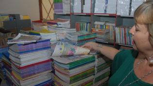 MEC vai distribuir 44 milhões de livros didáticos nas escolas até agosto