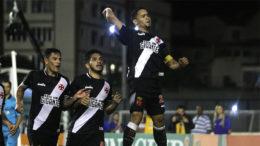 Yago Pikachu marcou dois gols no triunfo vascaíno sobre o Sport (Foto: Paulo Fernandes/Vasco)