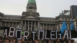 Argentina descriminaliza o aborto e está um passo à frente na saúde pública