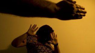Câmara aprova projeto que permite polícia agir para proteger mulheres