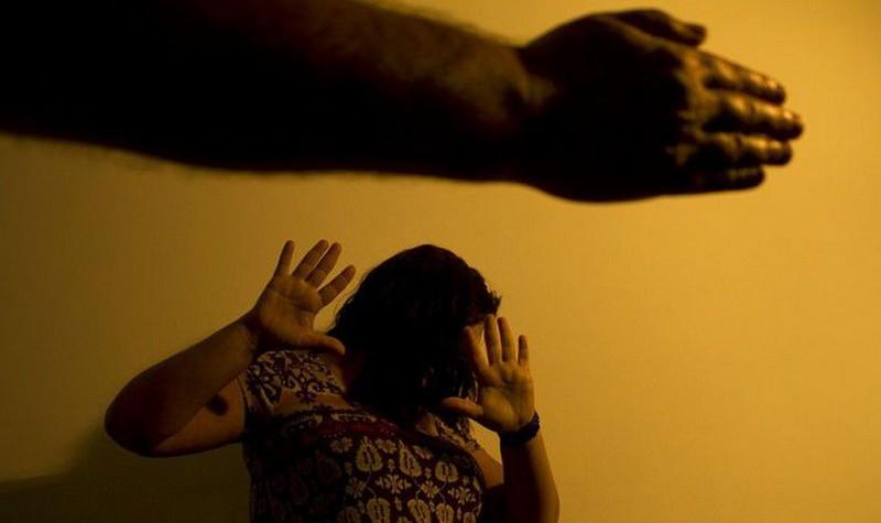 Mais de 908 mil casos de violência contra mulheres ficaram pendentes de decisão judicial até dezembro (Foto: Marcos Santos/USP)