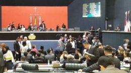Plenário da ALE na sessão desta quinta-feira: deputados aprovaram redução de verba para DPE e aumento para o próprio Legislativo (Foto: ATUAL)