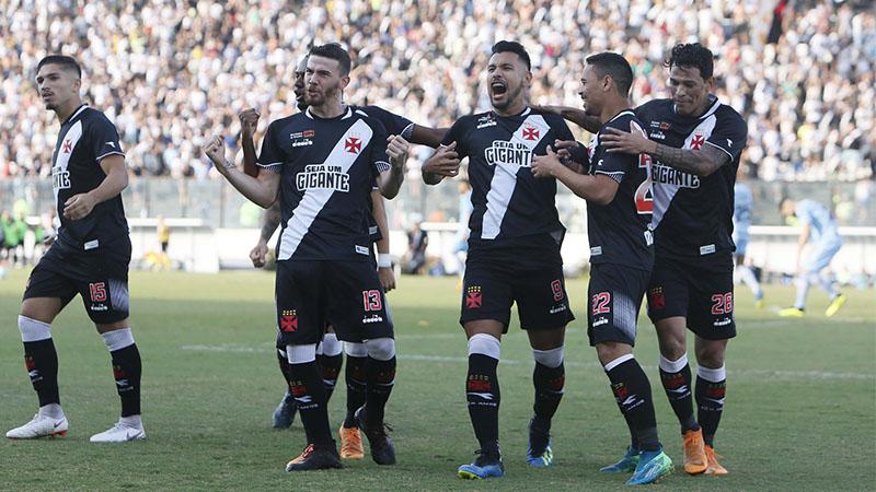 Andrés Rios (centro) festeja gol contra o Grêmio que garantiu vitória do Vasco (Foto: Rafael Ribeiro/Vasco)