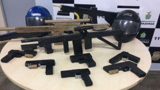 Homem tinha arsenal de armas falsas usadas em assaltos em Manaus