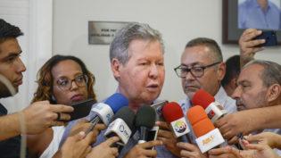 'Não faço nem questão que venham', diz Arthur sobre R$ 149 milhões de Amazonino