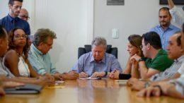Arthur Virgílio Neto assina nomeações