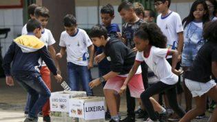 Escolas públicas têm maior número de alunos acima da idade escolar