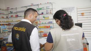 Três drogarias na zona leste são interditadas durante blitz da Visa Manaus