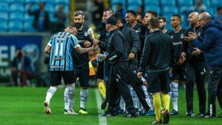 Grêmio impede o São Paulo de assumir liderança do Brasileirão