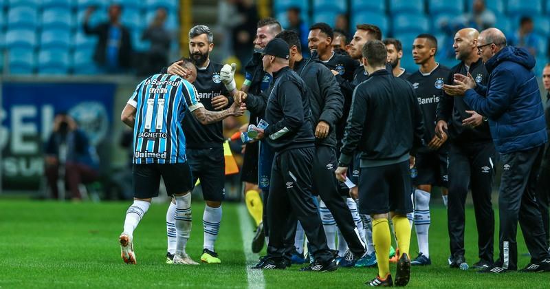 Jogadores do Grêmio comemoram gol da vitória do Tricolor gaúcho sobre o São Paulo (Foto: Lucas Uebel/Grêmio)