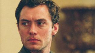Jude Law fala sobre a sexualidade de Dumbledore: 'isso não o define'