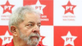 'Não vamos baixar a cabeça', diz Lula em mensagem de Ano Novo