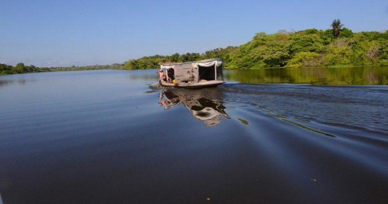 Empresas que oferecem serviço de turismo ecológico devem ter licença ambiental e pagar impostos (Foto: Chico Batata/TJAM)