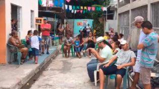 Em vídeo, familiares confrontam policiais militares em Manaus sobre morte de jovem