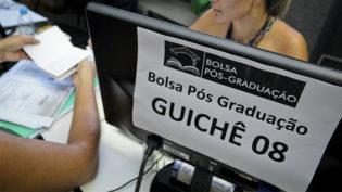 Prefeitura divulga resultado de remanejamento do Bolsa Pós-Graduação