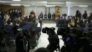 Temer assina MP de modernização do Marco Legal de Saneamento